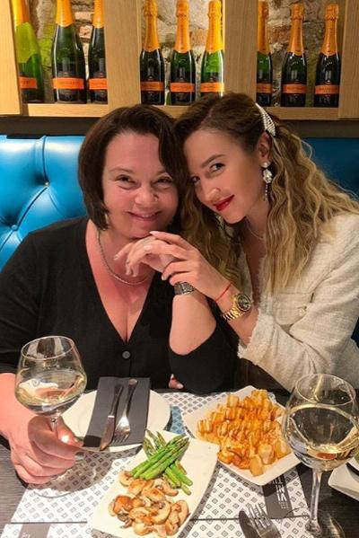 Ольга Бузова вместе с мамой