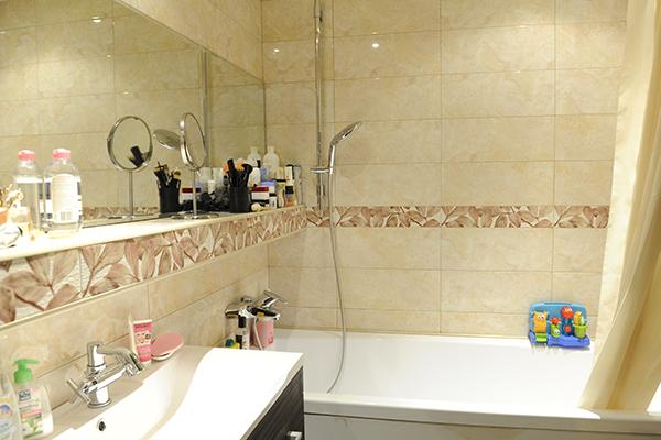 Подбирая квартиру, Ирина искала чистую и аккуратную ванную комнату