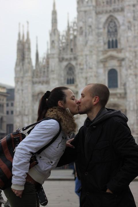 Соколовы Максим и Светлана (Таганрог) на площади  Duomo di Milano (Кафедральный собор в Милане)