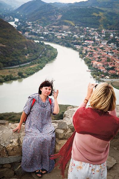 Виды со стен монастыря Джвари (Креста) завораживают