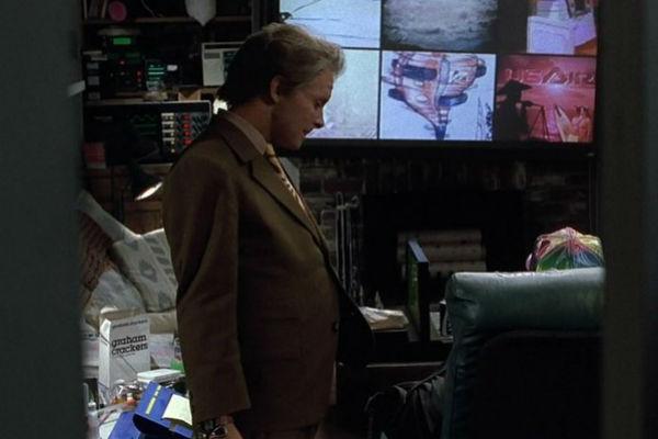 В доме Макфлаев установлен плоский телевизор