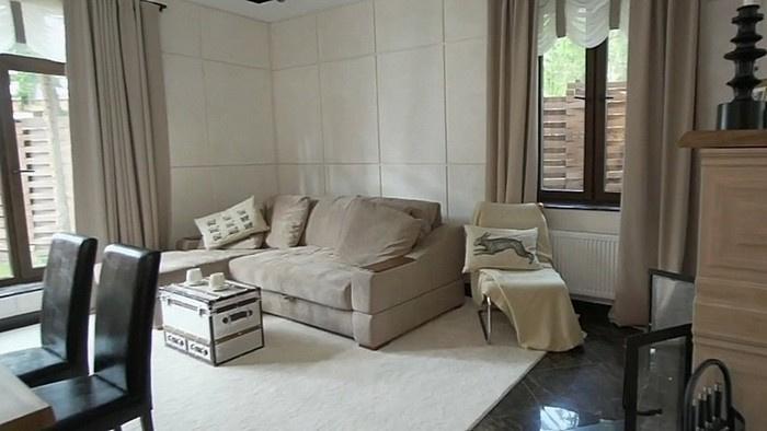 Модульный диван и сундук вместо столика