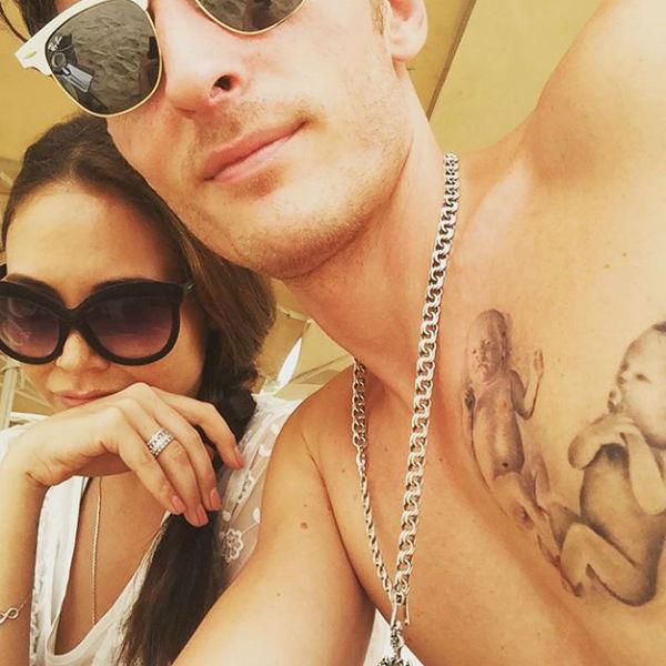 Павел Воля похвастался татуировкой с изображением младенцев