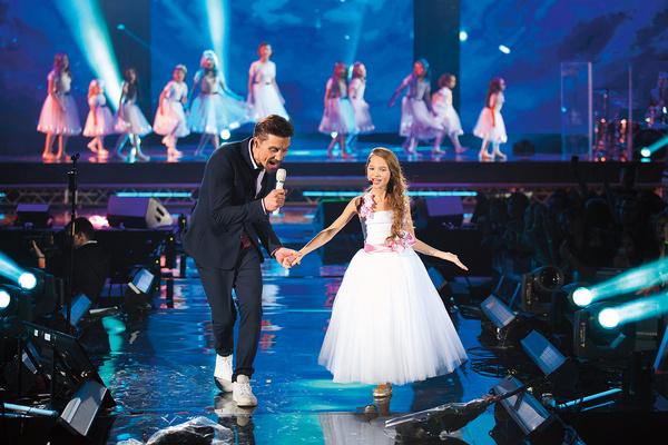 Спеть в дуэте с Димой Биланом для юной исполнительницы – почти привычное дело
