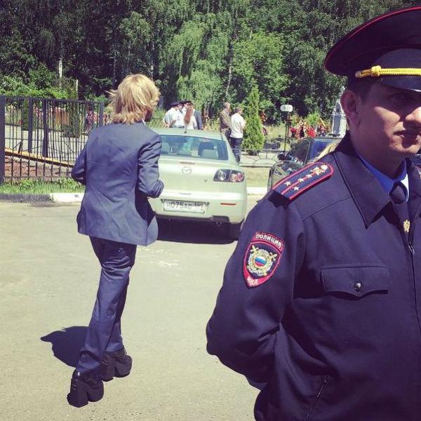 Сергей Зверев на похоронах Жанны Фриске