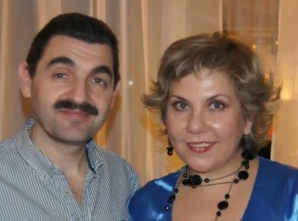 Актер с женой по сериалу, актрисой Мариной Федункив