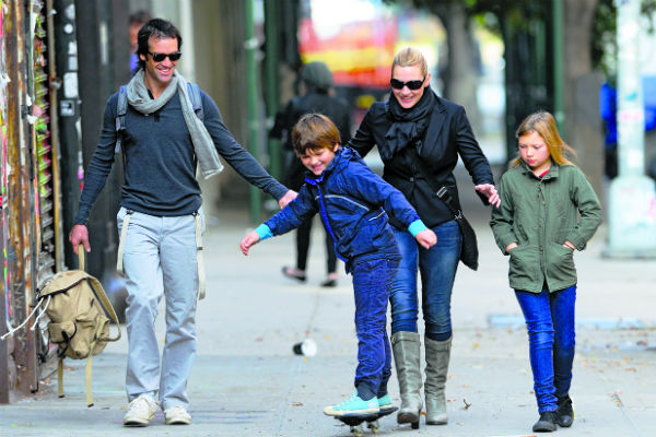 «Большой ребенок» Нед сразу нашел подход к детям Кейт - Мии и Джо. Нью-Йорк. 2011 год
