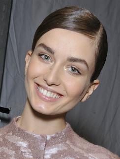 Модель с показа Dior