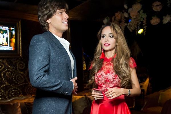 Прохор Шаляпин и Анна Калашникова не стеснялись общаться наедине друг с другом