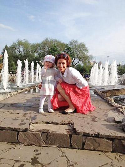 Альбина воспитывает теперь не только трехлетнюю Амину, но и двухмесячного Сашу