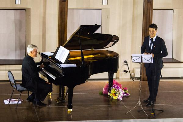 Выступление Данилы Козловского и Алексея Гориболя
