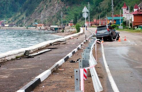 Место аварии в поселке Листвянка, где погибли родные Евгения Баранова