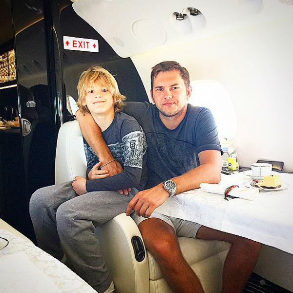 Сын певицы Артем подружился с возлюбленным своей знаменитой мамы