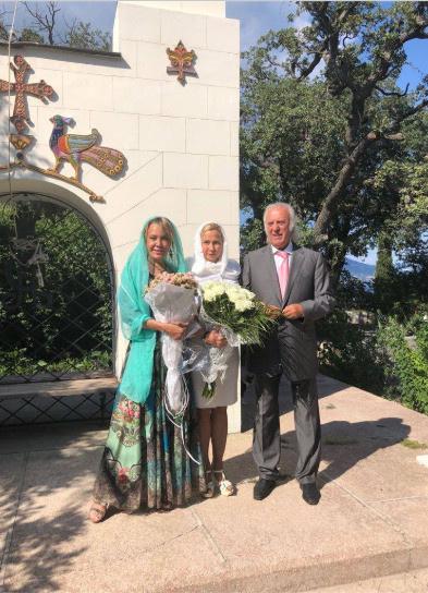 Илья Резник с женой Ириной после венчания