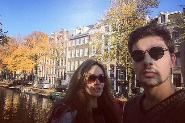 Знаменитость и Антон Коротков отдыхают вместе в Амстердаме