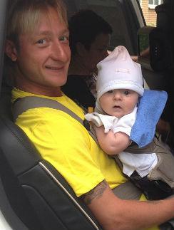 Александр поехал вместе с папой на олимпийские сборы в Италию