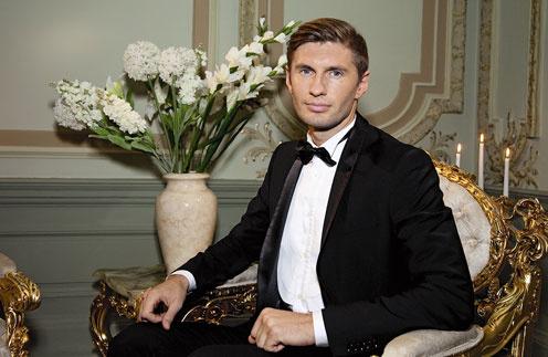 Футболист Евгений Левченко стал первым «холостяком»