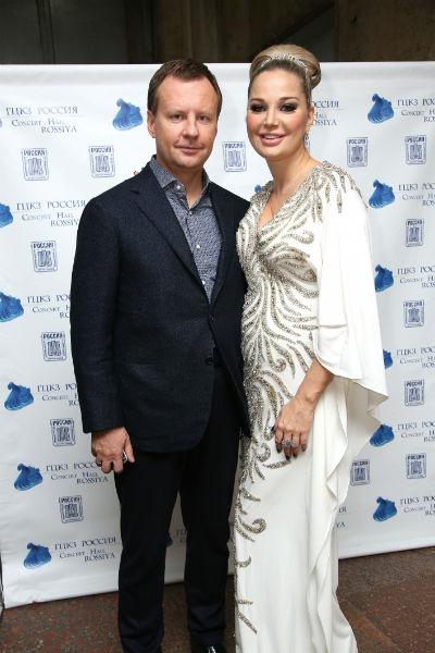Супруги Денис Вороненков и Мария Максакова счастливы