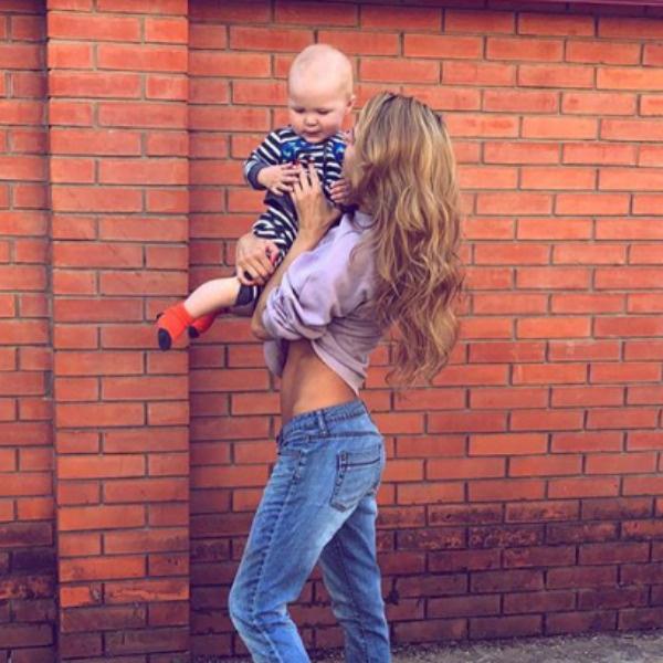 Ольга сама воспитывает сына Филиппа