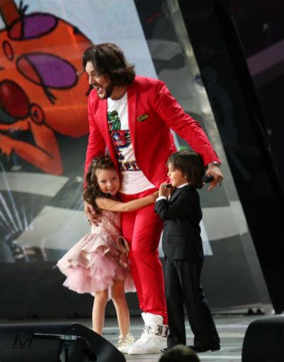 Филипп Киркоров был рад, что дети исполняют его хит
