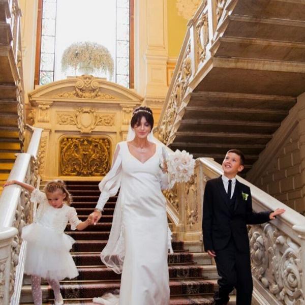 Алиса Аршавина с сыном и дочкой от первого брака