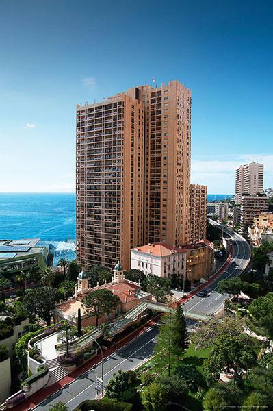 Жилой комплекс Columbia расположен на улице, названной в честь американской актрисы и княгини Монако Грейс Келли