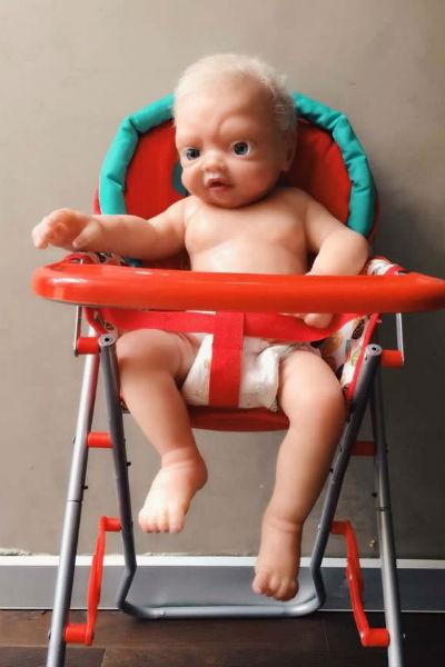 Силиконовые младенцы очень похожи на настоящих детей
