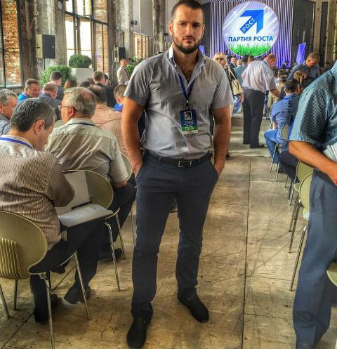 Алексей Самсонов активно агитирует поклонников голосовать за него