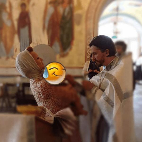 Малыша Майка крестили