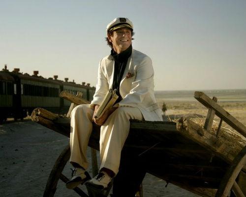 А вот в 2006 году был снят восьмисерийный сериал «Золотой теленок», в котором роль Остапа Бендера исполнил Олег Меньшиков