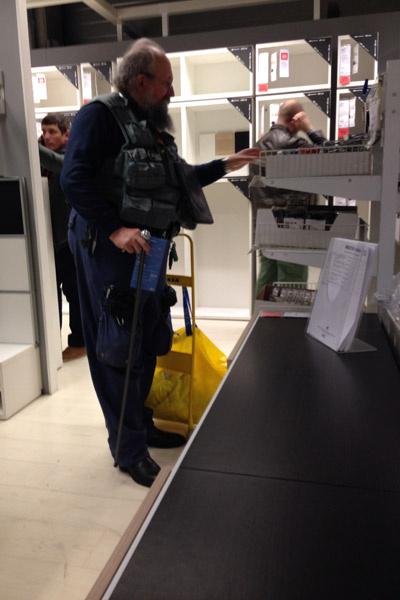 Анатолий Вассерман в магазине IKEA
