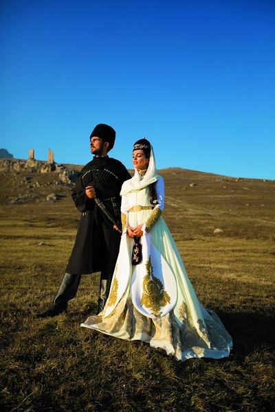 Молодожены устроили шикарную фотосессию в горах