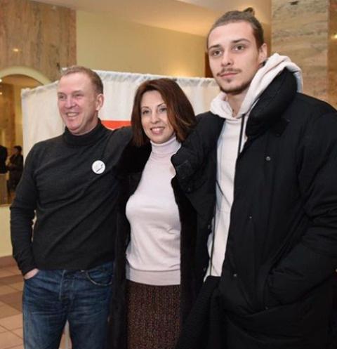Виктор Рыбин, Наталья Сенчукова с сыном Василием