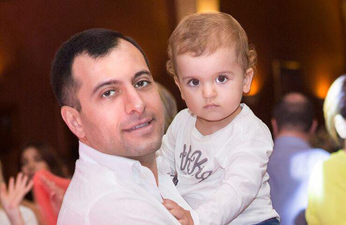 Бывший чиновник Борис Авакян и его супруга – «Миссис Мира» Юлия покрестили ребенка