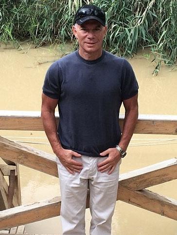 Олег Газманов на берегу реки Иордан