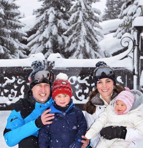 Кейт Миддлтон, принц Уильям и их дети Шарлотта и Георг отдыхают во французских Альпах