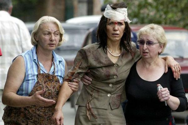 1 сентября 2004 года Елена открывала торжественную линейку, ставшую роковой
