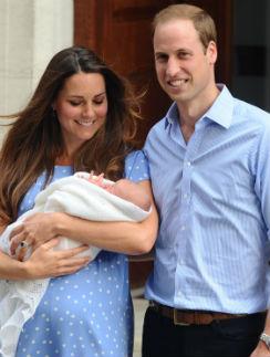 Счастливые родители с принцем Георгом