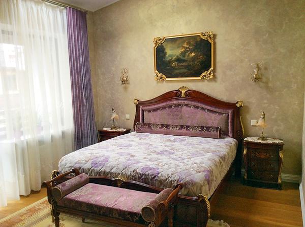 Спальню Ан просил оформить минимальным количеством мебели