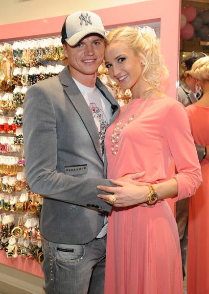 Ольга Бузова с любимым мужем Дмитрием Тарасовым