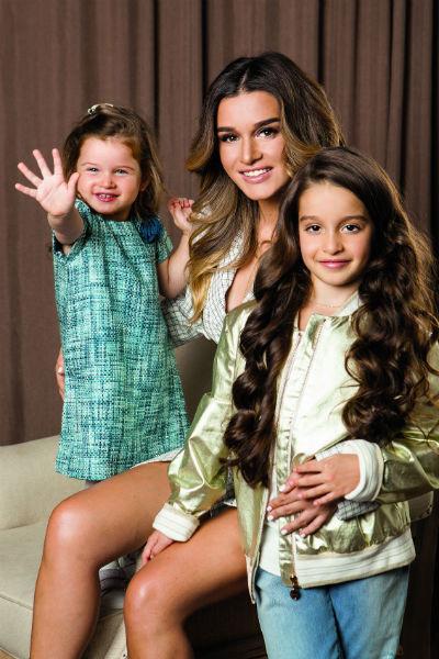 Бородина отказывается от работы по выходным, чтобы Тея и Маруся не ощущали себя «звездными детьми»