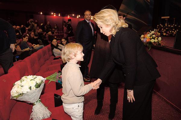 Со Светланой Медведевой актер познакомился на фестивале «Лучезарный ангел», где был награжден за фильм «Ближе, чем кажется»