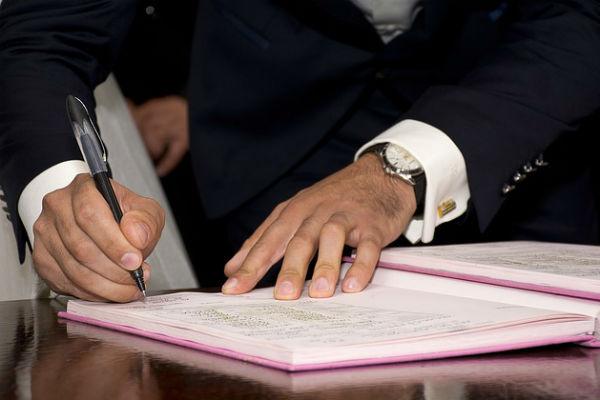 Прежде чем уехать в другую страну, приведите в порядок дела и документы