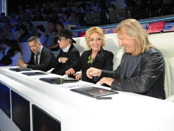 Жюри проекта: Николай Расторгуев, Михаил Боярский, Лайма Вайкуле и Виктор Дробыш