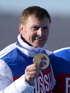 Александр Зубков с олимпийской медалью