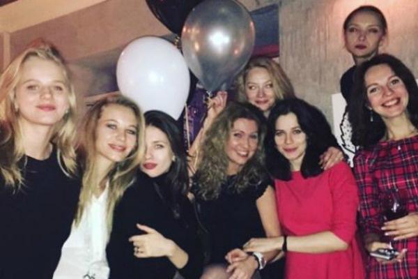 Недавно Юлия посетила празднование дня рождения Светланы Ходченковой