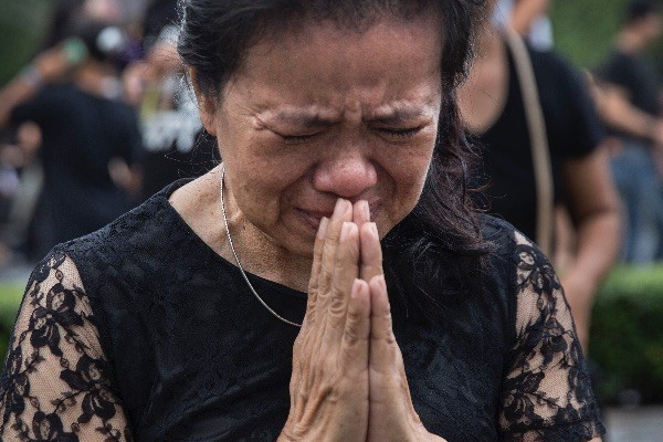Тайцы с трудом переживают смерть монарха