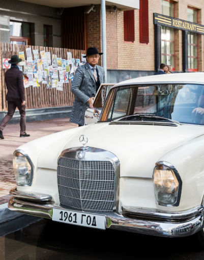 В клипе у Николая есть шикарный ретро-автомобиль
