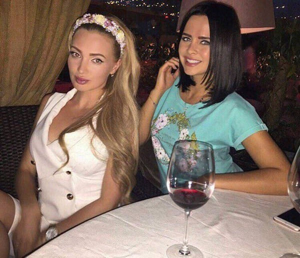 Евгения Феофилактова и Виктория Романец