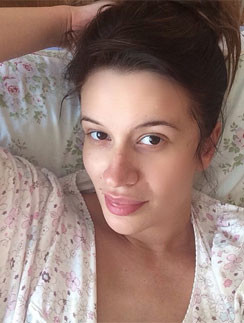 Елена Бушина сделала селфи прямо в роддоме